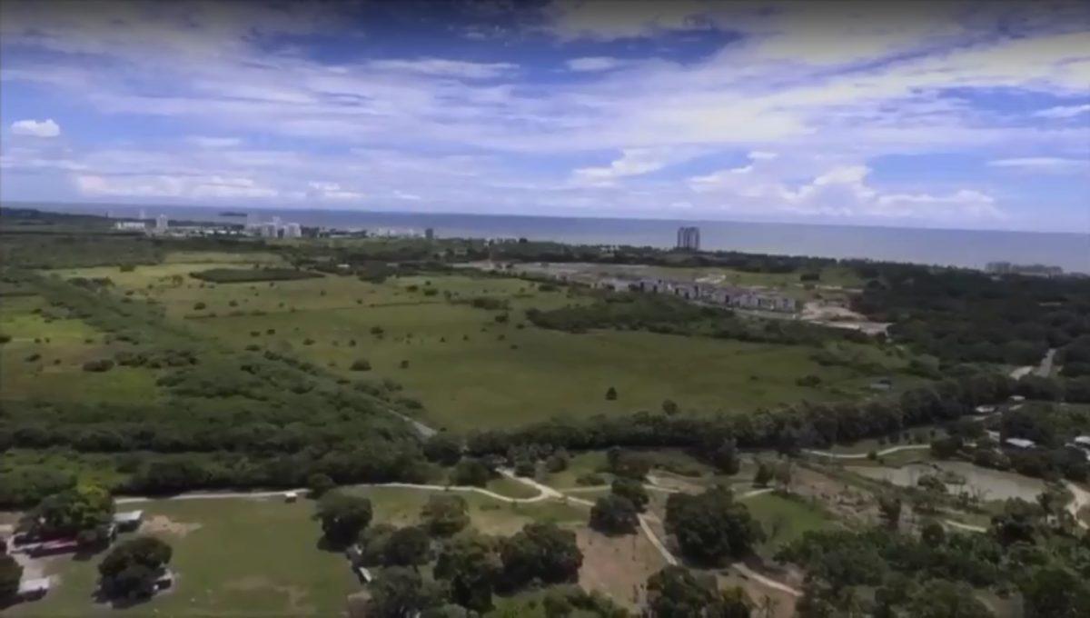 Tierras cerca de la playa